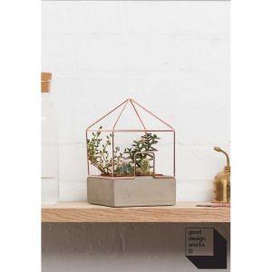 Maison des plantes en cuivre et beton