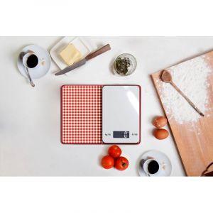 Livre de cuisine avec balance de cuisine